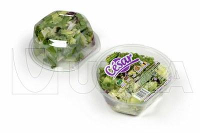 Ambalare salate proaspete gata de consum in atmosfera protectoare cu ajutorul caserolelor rigide pe masini de ambalare tip tray-sealing.